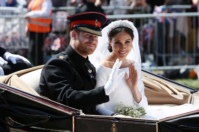 Принц Гарри и Меган Маркл лишились титулов: заявление королевы Елизаветы II